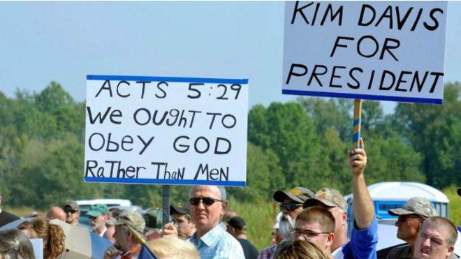 Митинг в поддержку Ким Дэвис в округе Роуэн, штат Кентукки, 5 сентября 2015 г.