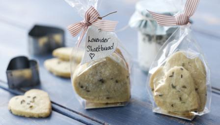 https://i2.wp.com/ichef.bbci.co.uk/food/ic/food_16x9_448/recipes/lavender_shortbread_43952_16x9.jpg