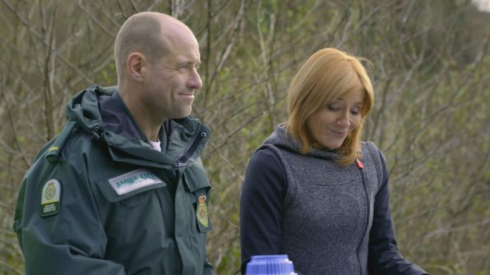 Matt Bardock as Jeff Collier, Michelle Collins as Samantha Kellman in Casualty