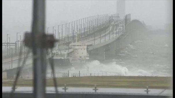 「台風 大坂」の画像検索結果
