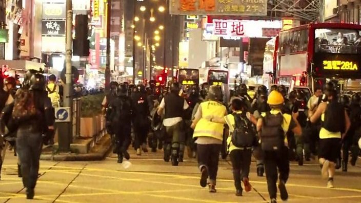 Hong Kong protests: Huge crowds rally peacefully 2