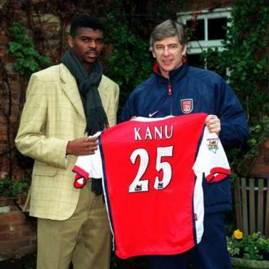Morning! #OTD in 1999, @Arsenal completed the signing Nwankwo Kanu. Watch the legend's best arsn.al/Vt22om