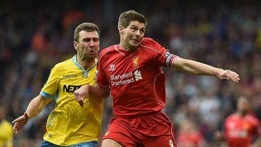 Steven Gerrard (right)