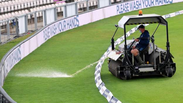 England v Pakistan: Rain delays start of final day second Test 1