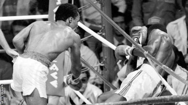 In the 13th round Hearns fell through the ropes but did not receive a count as it was judged a push