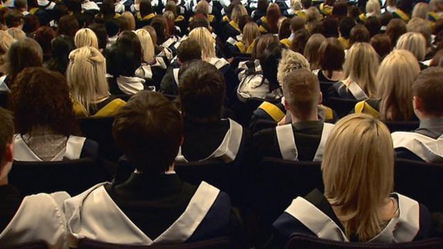 _71627255_graduates_cityglasgowcolleg.jpg