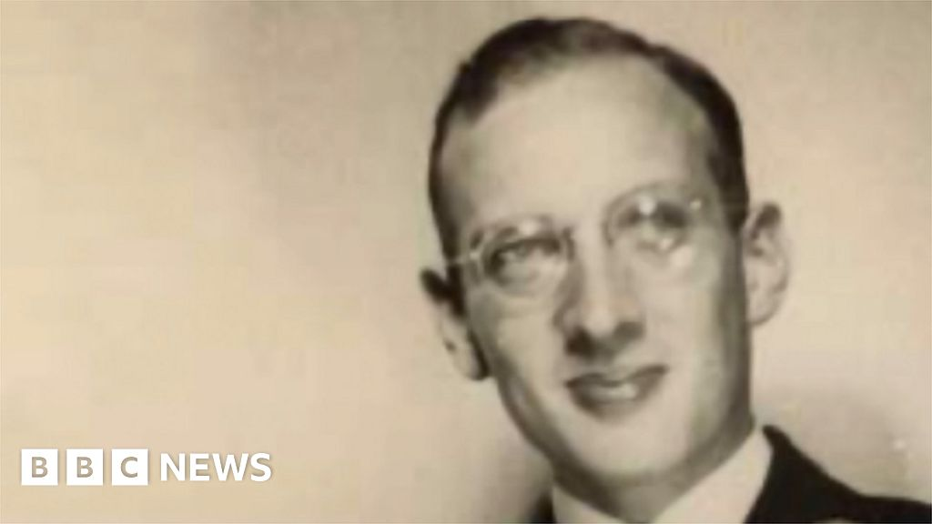 , World War Two: The brothers who fled Nazi occupation by kayak, The Evepost BBC News