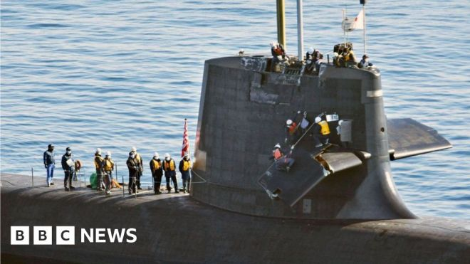 Japan: Submarine crew phone for help after crash #world #BBC_News