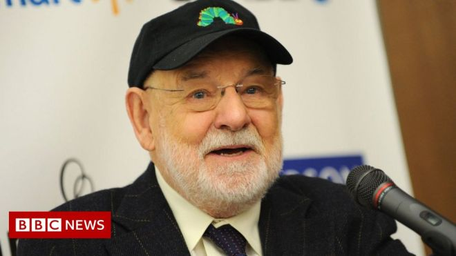 Eric Carle: Very Hungry Caterpillar author dies aged 91 #world #BBC_News
