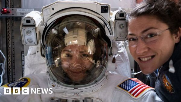 Nasa astronauts set for all-women spacewalk