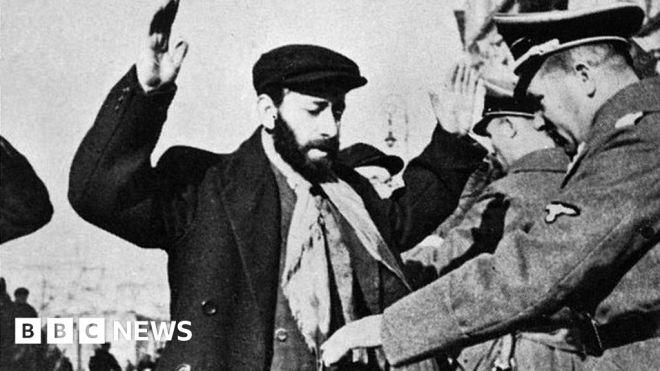 Two Holocaust historians face Polish court verdict #world #BBC_News