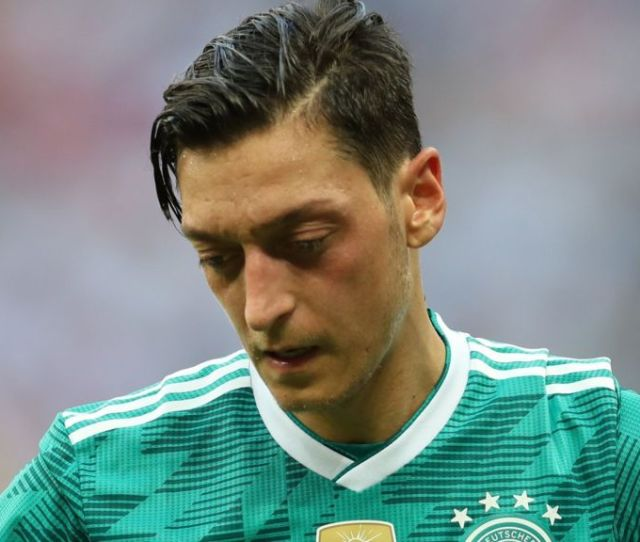 Mesut Ozil Reaction In Germany Criticism From Some Sympathy From Others Bbc Sport