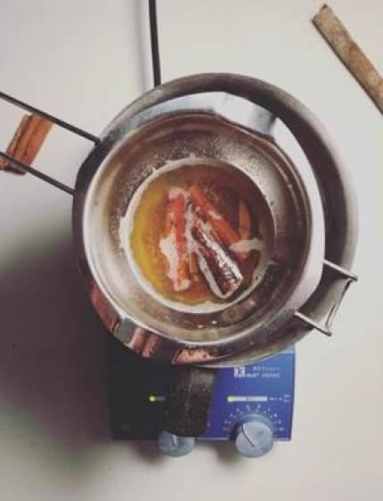 تصنيع العطور
