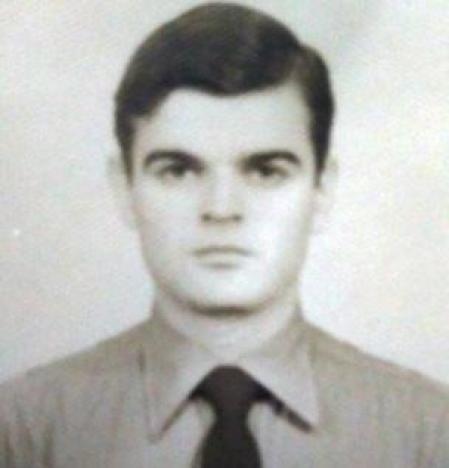 Eduardo Kalinec de joven, foto de policía