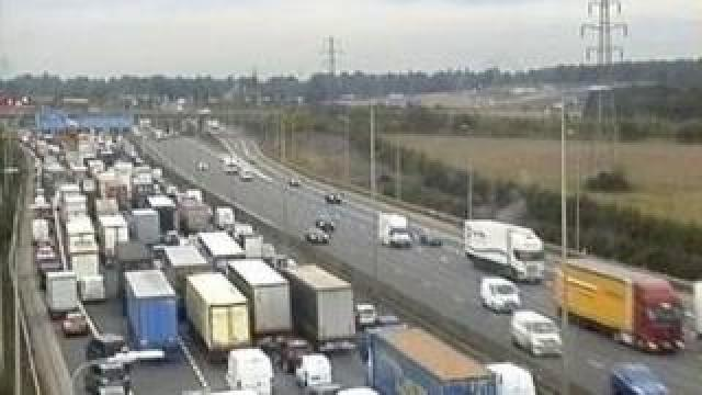 M1 northbound just before junction 10
