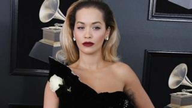Musicians like Rita Ora wore a white rose to the 2018 Grammys to protest against sexual harassment in the music industry