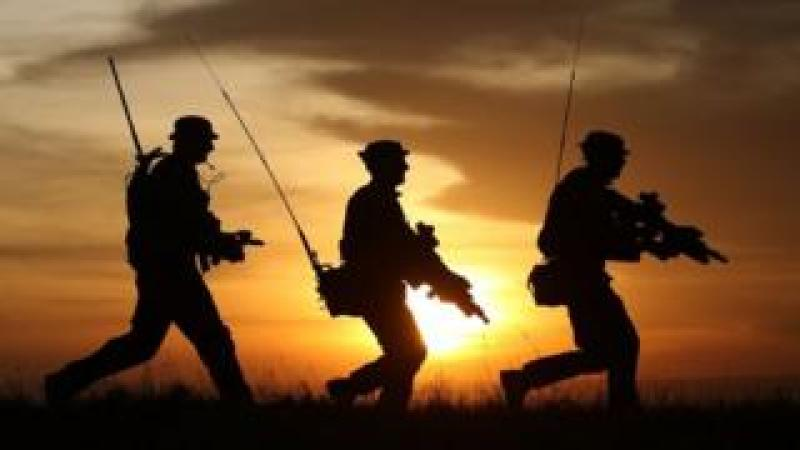 Silhouettes of British soldiers