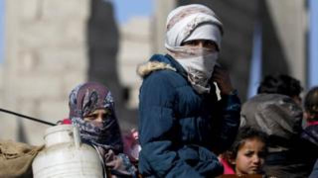 Syrians return to their homes in Hajin