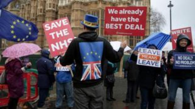 Pro and anti-Brexit campaigners took part in protests earlier this month