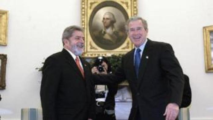 Lula e Bush na Casa Branca em 2003