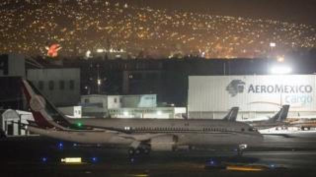The Mexican presidential plane