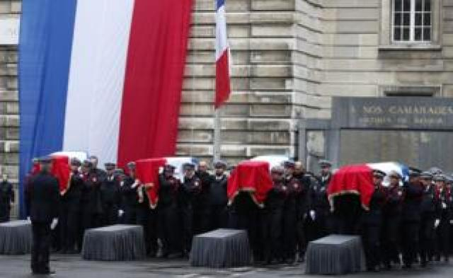 """French Police officers carry coffins during a ceremony to pay tribute to the victims of the 03 October knife attack in Paris"""" Police headquarters, in Paris, France, 08 October 2019"""