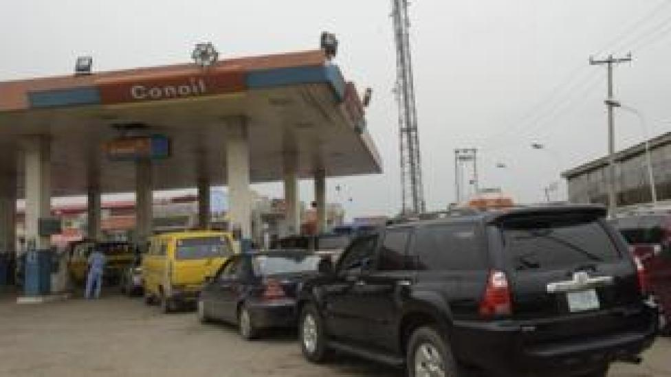 Motorists queue at filling station in Lagos, on May 12, 2016