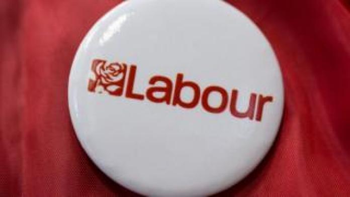 Labour badge