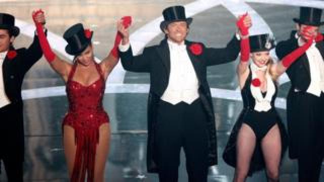 Zac Efron, Beyonce and Amanda Seyfried gave Hugh Jackman some serious singing firepower at the Oscars