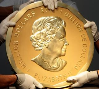 _95340549_hi038715432 Giant gold coin trial opens in Berlin