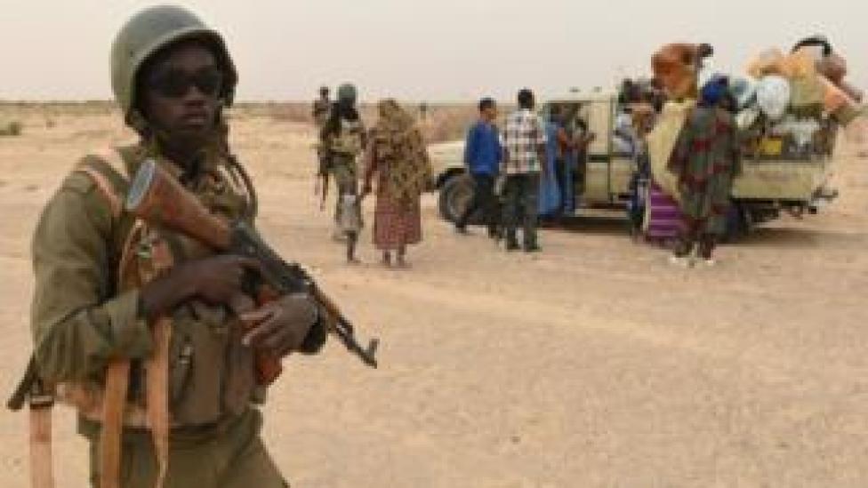 Les civils fuient la région de Gao au Mali en proie aux djihadistes
