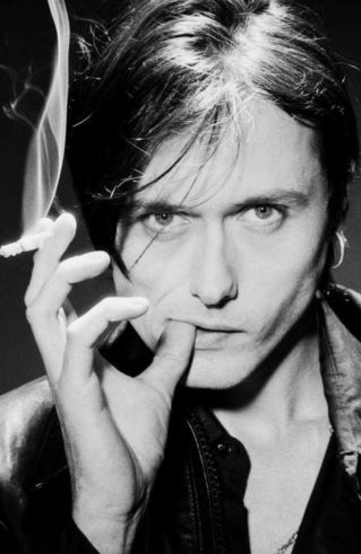 Brett Anderson smoking a cigarette