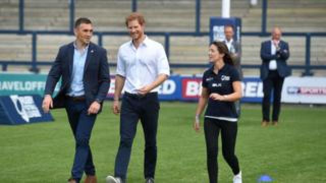 Prince Harry with former Leeds Rhino rugby league player Kevin Sinfield in 2017