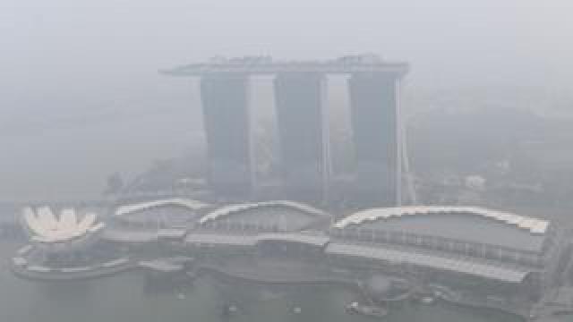 Marina Bay Sands hotel shrouded in haze