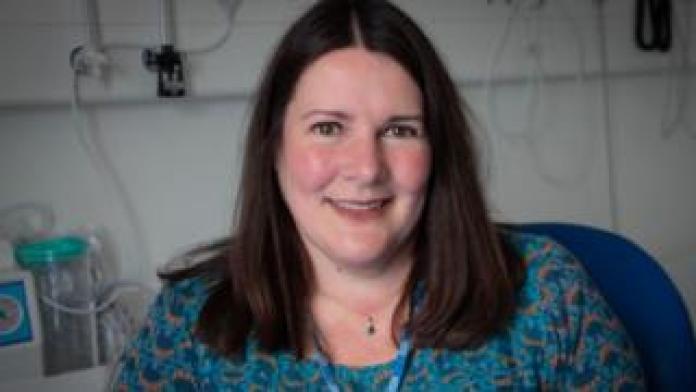 Dr Rachel Tennant