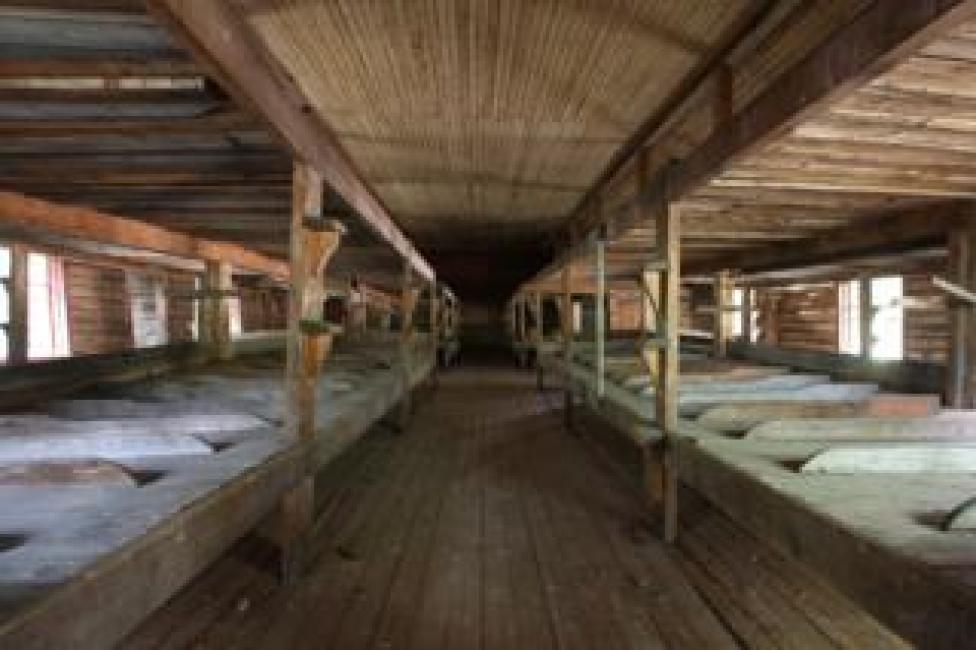 Un dormitorio donde prisioneros durmieron hace 100 años (Foto: Kirill Iodas)