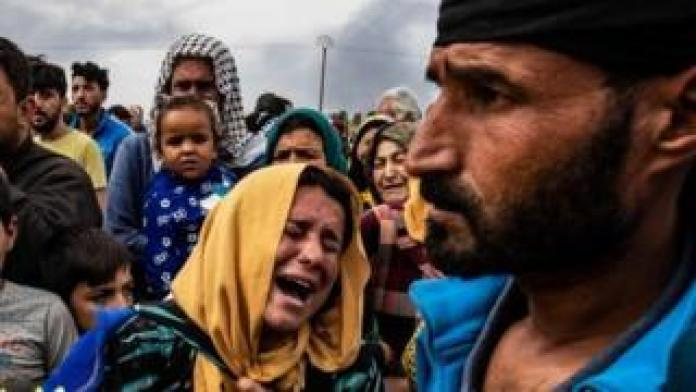 Mourners at funeral of Kurds killed in attacks on Ras al-Ain by Turkish-led forces (19/10/19)