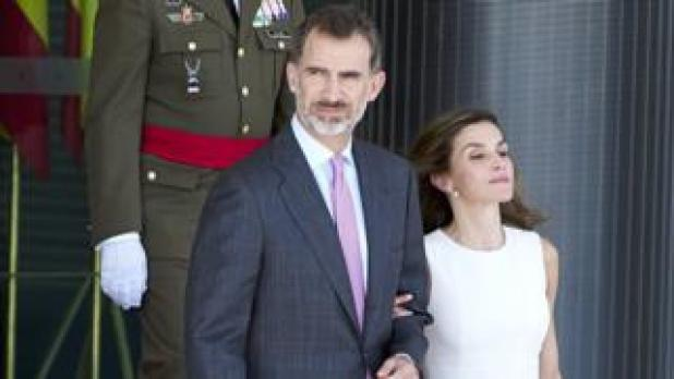 King Felipe and Queen Letizia travel to the UK