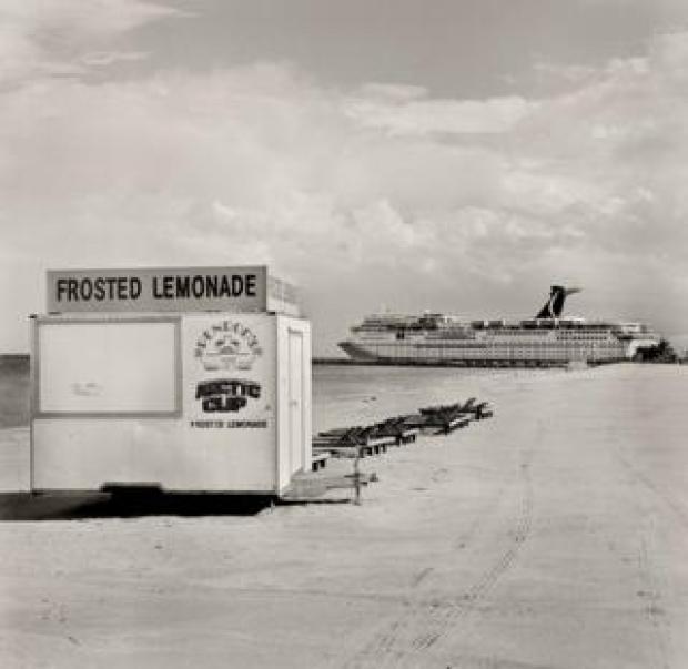 A lemonade stand on Miami Beach