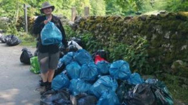 Steve Dawson and litter