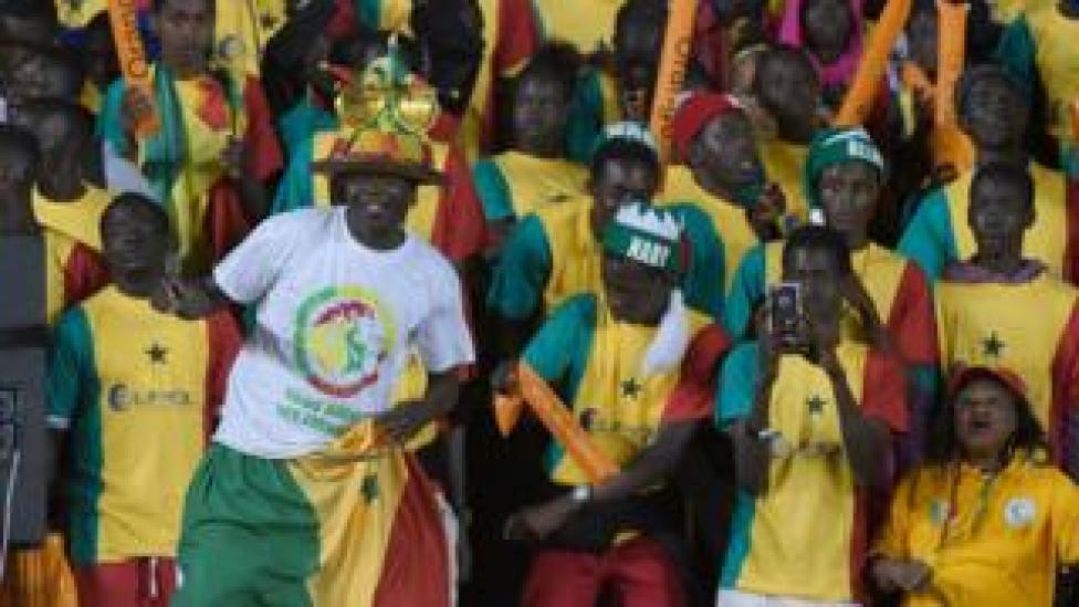 Des supporters de l'équipe nationale du Sénégal, le 26 mars 2016 à Dakar, contre le Niger (illustration).