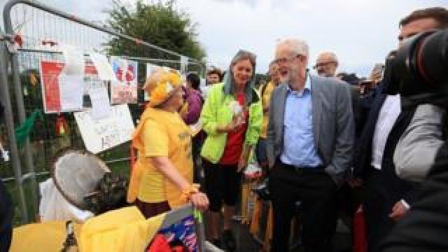 Jeremy Corbyn speaks to anti-fracking protesters