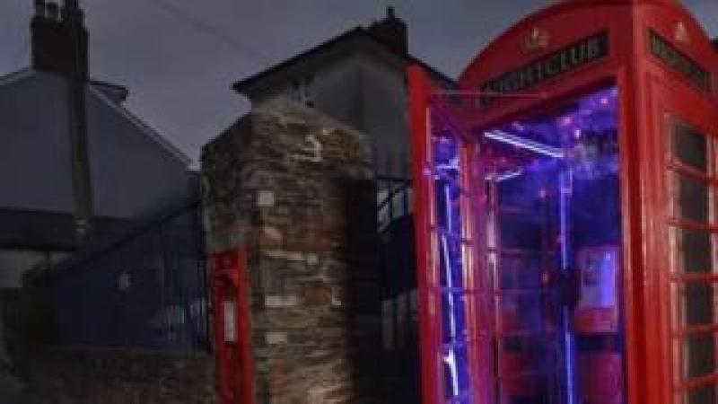 Phone box disco