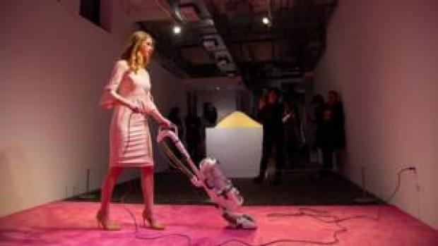 Ivanka Vacuuming, Jennifer Rubell