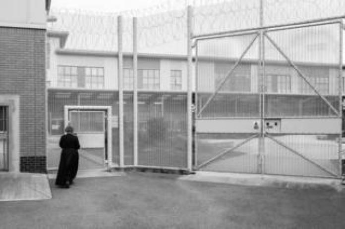 Susie Simpson visiting prison