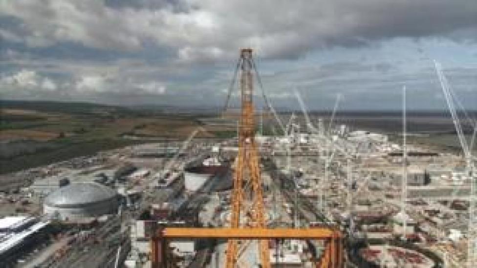 Hinkley Point: World's largest crane