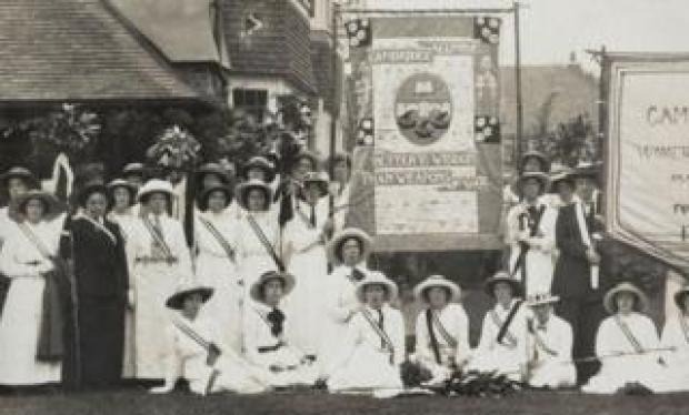 Cambridge University students on Suffrage march in 1908