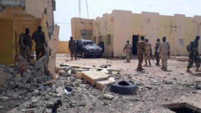 Le quartier général de la force du G5 Sahel après l'attaque à Sévaré.