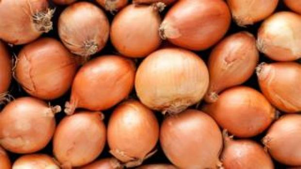 A pile of generic onions
