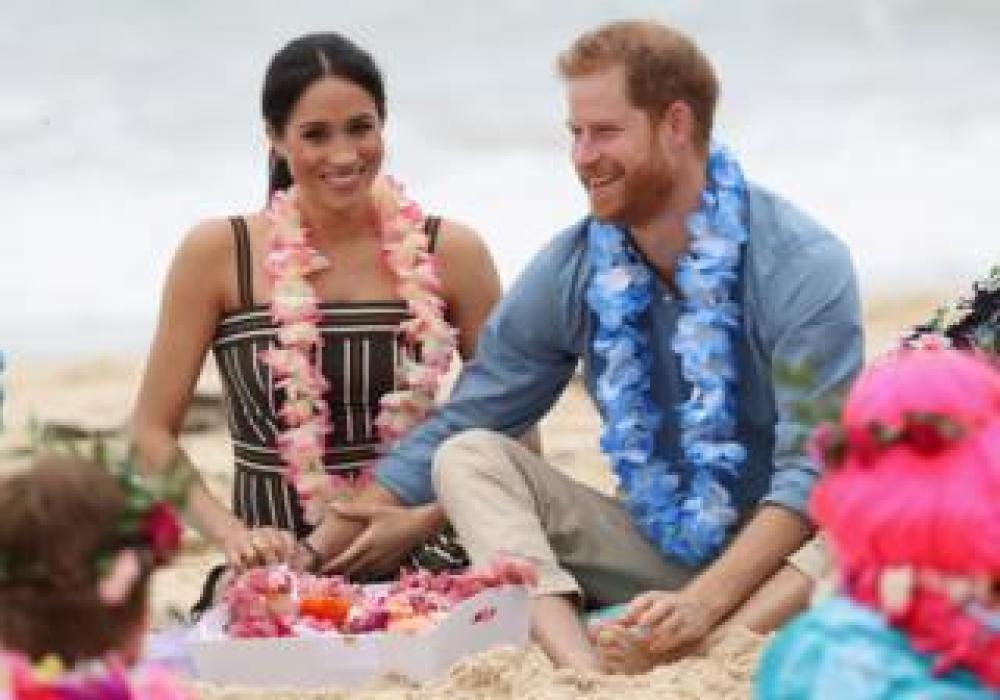 Meghan and Harry on South Bondi beach